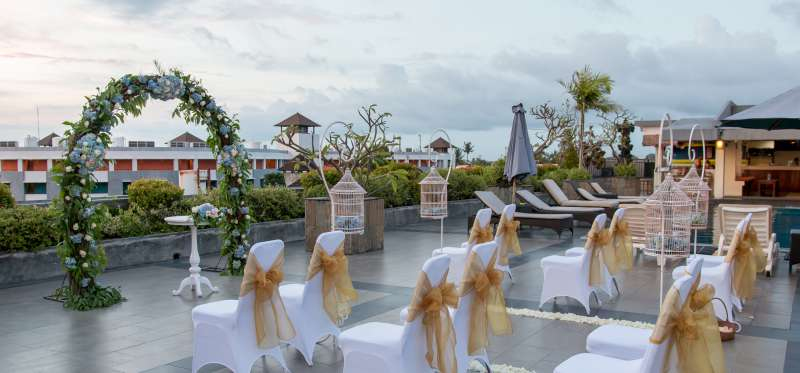 Mesmerizing Sunset Wedding at Champlung Mas Legian